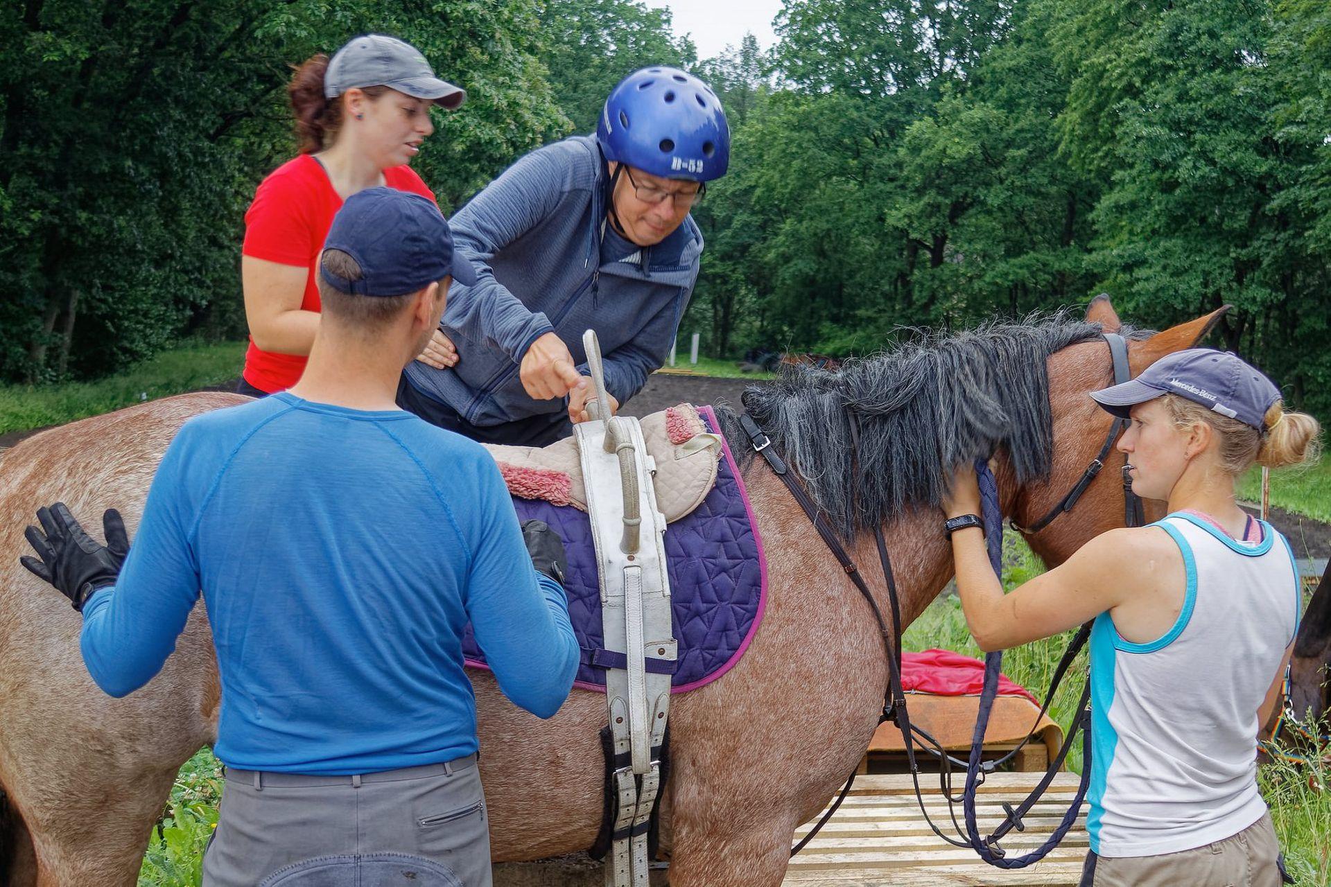 Cvičení na koni a hipoterapie